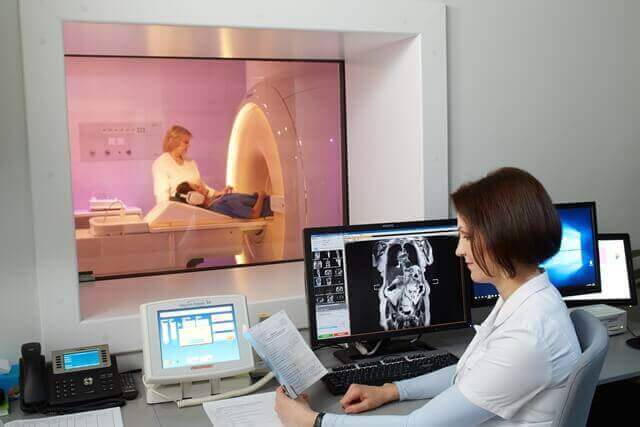 Magnetic resonance imaging exams for organs located in the abdominal cavity and small pelvis.